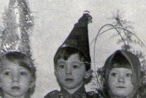 1986 год. Я в костюме Петрушки