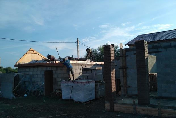 Вся постройка под одной крышей
