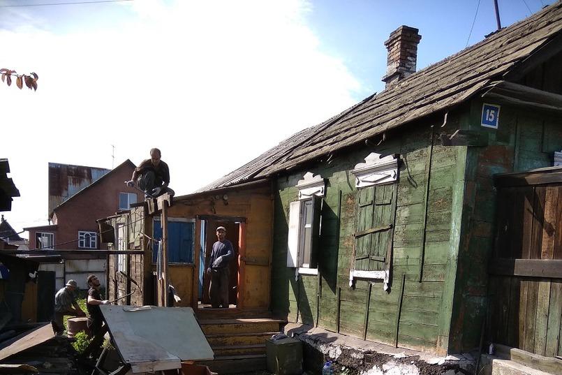 Снос старого дома занял три дня
