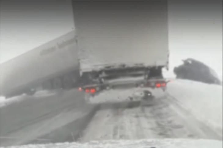 Изображение с видео из группы «ДТП 38RUS»