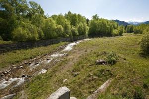 Сель на реке Осиновка может унести отходы в Байкал. Сейчас русло этой реки изгибается, но в случае селя может пройти по самому короткому пути и переполнить озёра — карты-накопители БЦБК