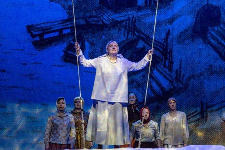 Премьера спектакля состоялась 15 марта 2018 года. Фото с сайта vk.com/tuz_irk, автор — Анатолий Бызов