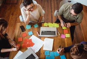 Встреча по дизайн-мышлению для взрослых от школы программирования Coddy*.