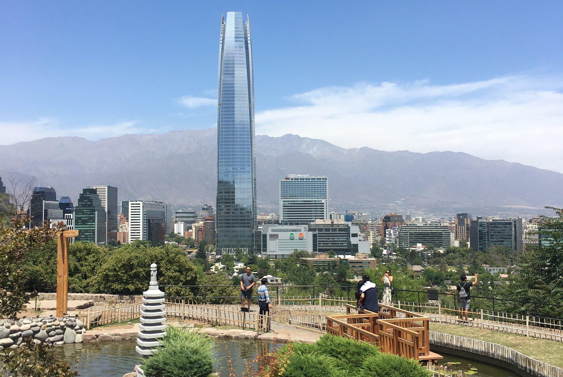 Скай Костанера (Sky Costanera) - самое высокое здание в Латинской Америке