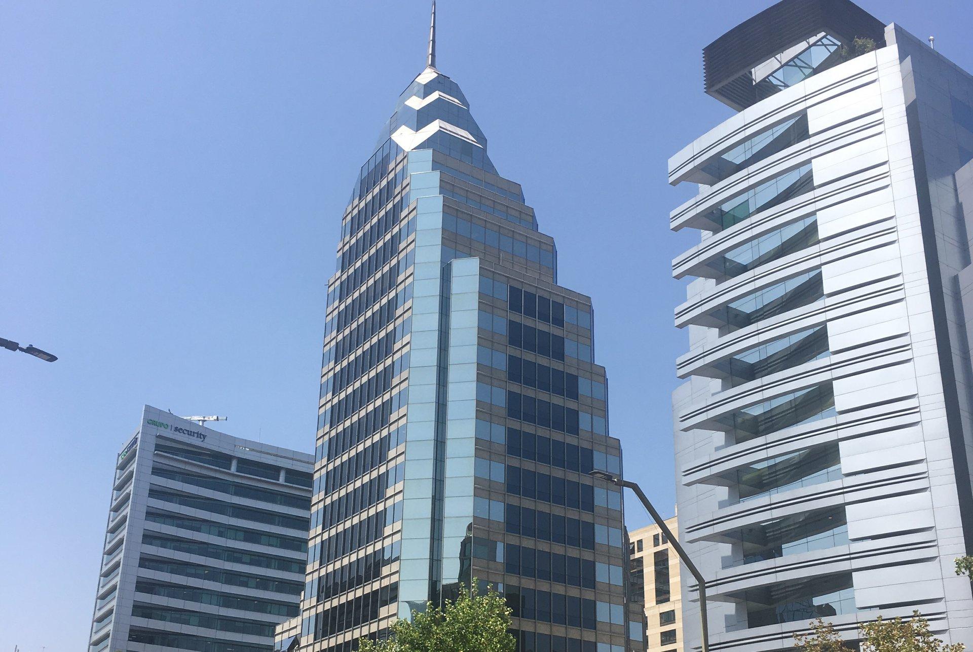 Высотка, похожая на Chrysler Building (Крайслер-Билдинг в США)