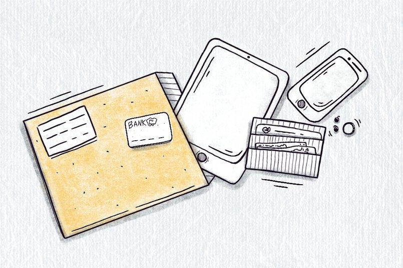 При поступлении в больницу в такой конверт запаковывают все имеющиеся у вас вещи.