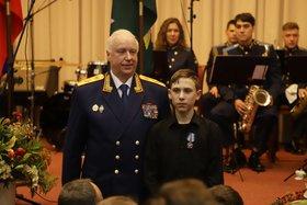 Александр Бастрыкин и Вячеслав Дорошенко. Фото пресс-службы СКР
