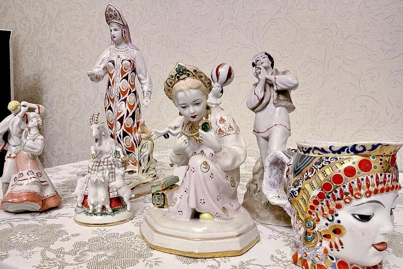 В коллекции Алены более 70 статуэток