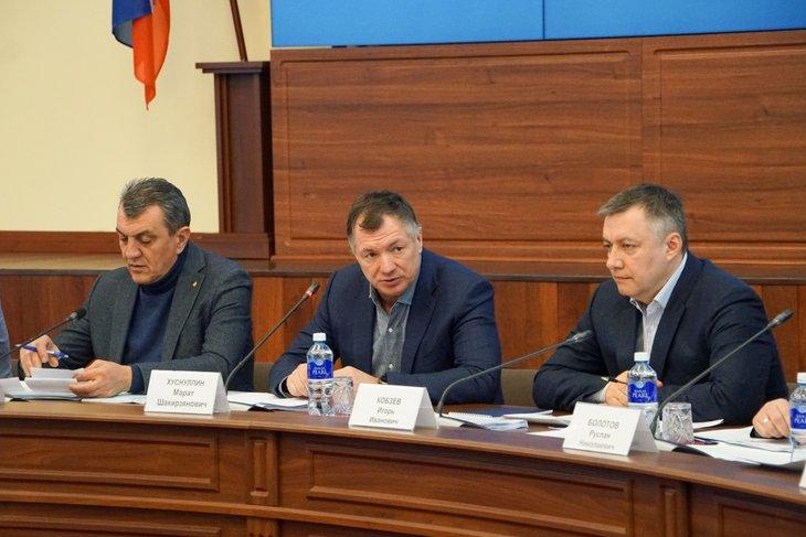 На брифинге. Фото пресс-службы правительства Иркутской области