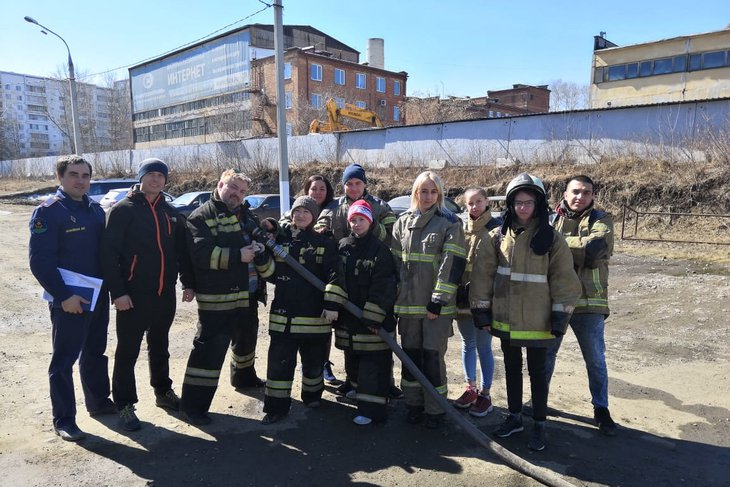 Фото Молодежного пожарно-спасательного отряда