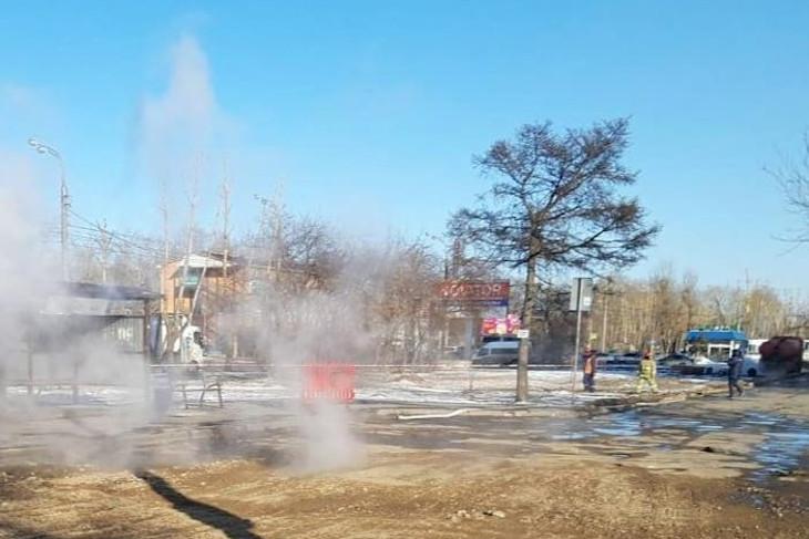 На месте аварии. Фото со страницы «Оператора тепловых сетей Иркутска»