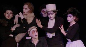 Онлайн-трансляция спектакля «Пышка»