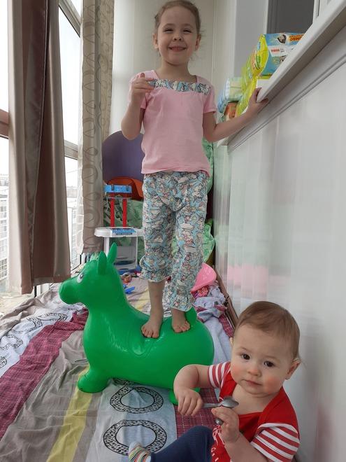 Анне Г. не приходится скучать дома с детьми