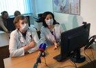 В Центре дистанционного консультирования. Фото Евгения Козырева