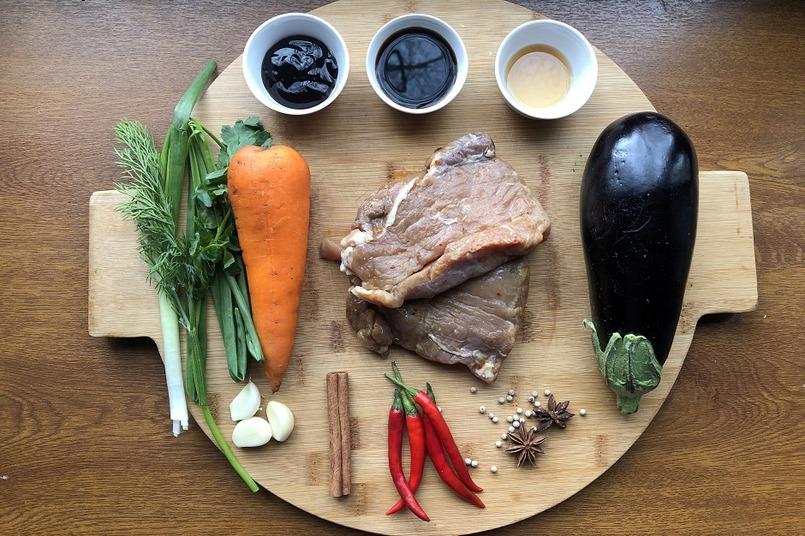 Острый перец и соусы - классические ингредиенты в китайской кухне