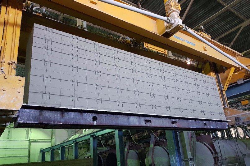 В результате автоклавной обработки ячеистобетонной смеси получается легкий, прочный, экологичный и теплый материал