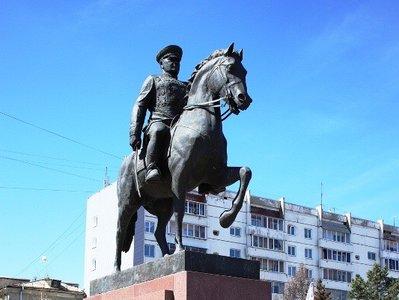 Памятник маршалу Жукову. Фото с сайта cbs-irkutsk.ru