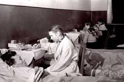 Учащиеся и преподаватели училища дежурили в военных госпиталях. Фото с сайта irkpo.ru