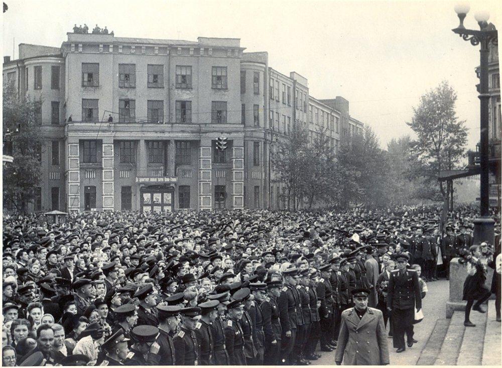 Открытие памятника Ленину в Иркутске, 23 сентября 1952 года. Фото предоставлено Музеем истории Иркутска