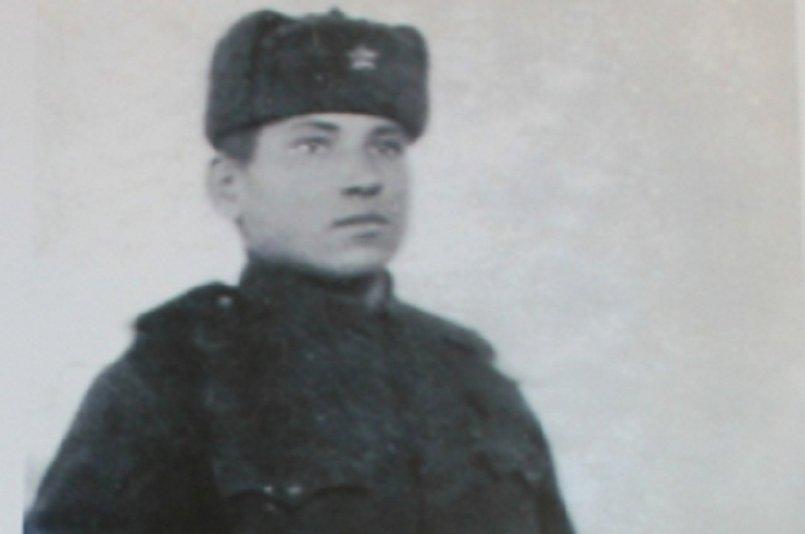 День Победы Александр Акимов встретил в поезде, который уносил новобранца на Дальний Восток
