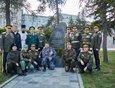 Представители Иркутского казачьего войска каждый год встречаются около памятника воинам-казакам, который находится возле храма во имя Спаса Нерукотворного Образа.
