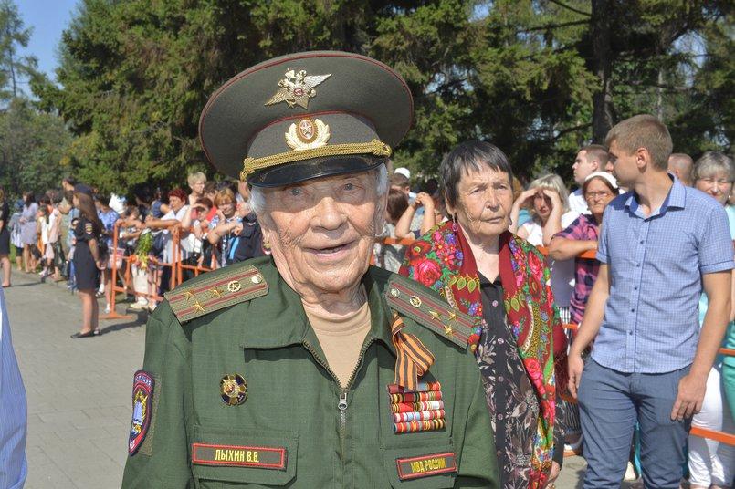 Владимир Васильевич каждый год принимает участие в мероприятиях ко Дню Победы