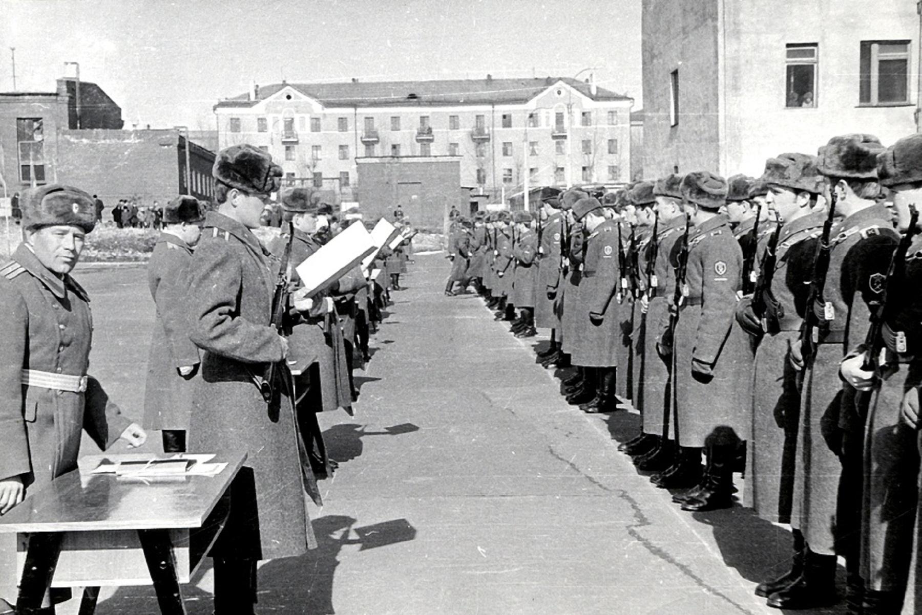 Принятие присяги курсантами ВСИ МВД