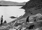 Раскопки стоянки Усть-Кяхта-3 на правом берегу Селенги, 1976 год. Фото А.П. Окладникова