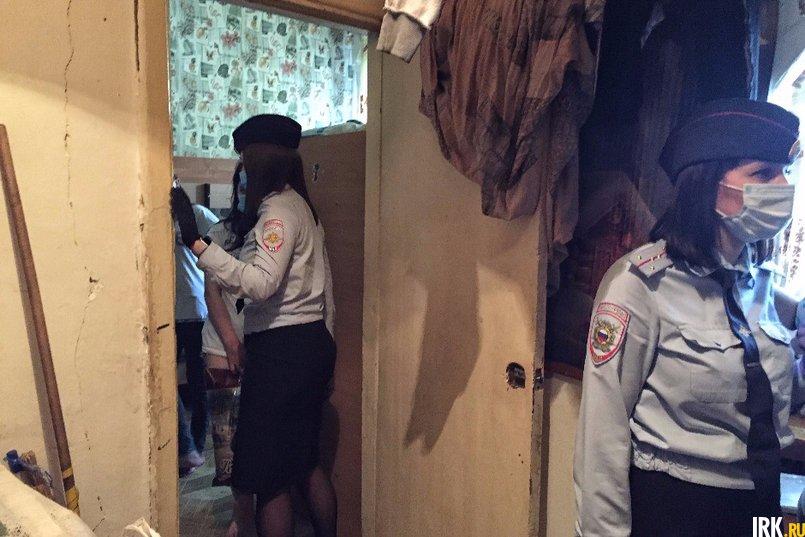 Инспектор подробно расспросила подростка, чем она занимается в течение дня, с кем общается и как учится