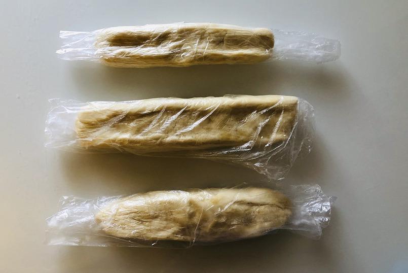 Готовое тесто убираем в холодильник на 3-4 часа