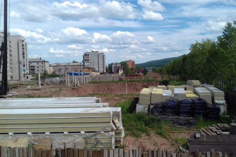 Недостроенный ФОК. Фото с сайта uk38.ru