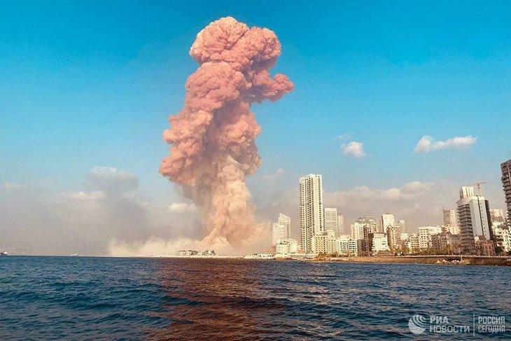 Взрыв в Бейруте. Фото Михаила Алаеддина, РИА Новости