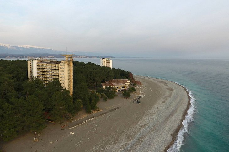 В Абхазии. Фото Константина Лейфера, ТАСС