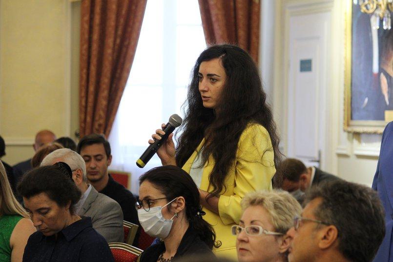 Журналисты два часа задавали вопросы спикерам. Фото Александра Новикова