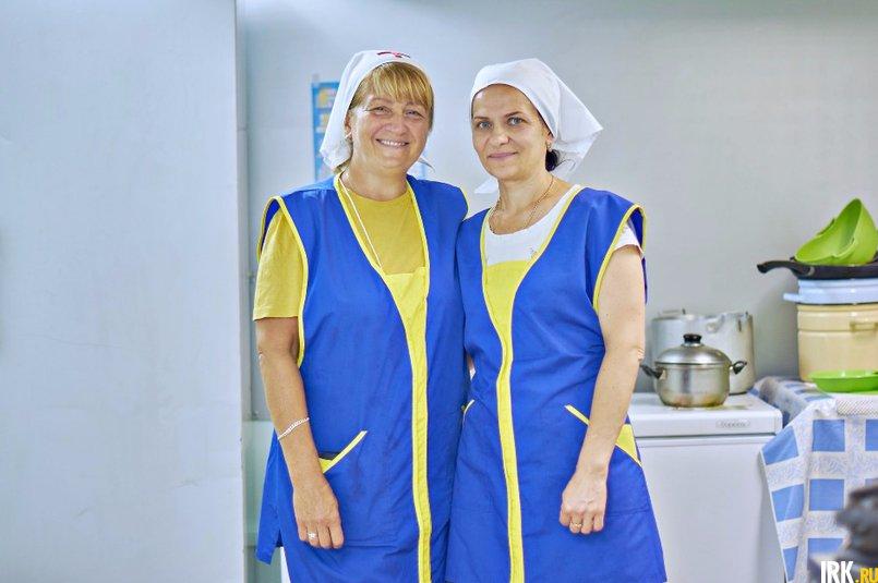 Сестры милосердия Елена и Светлана