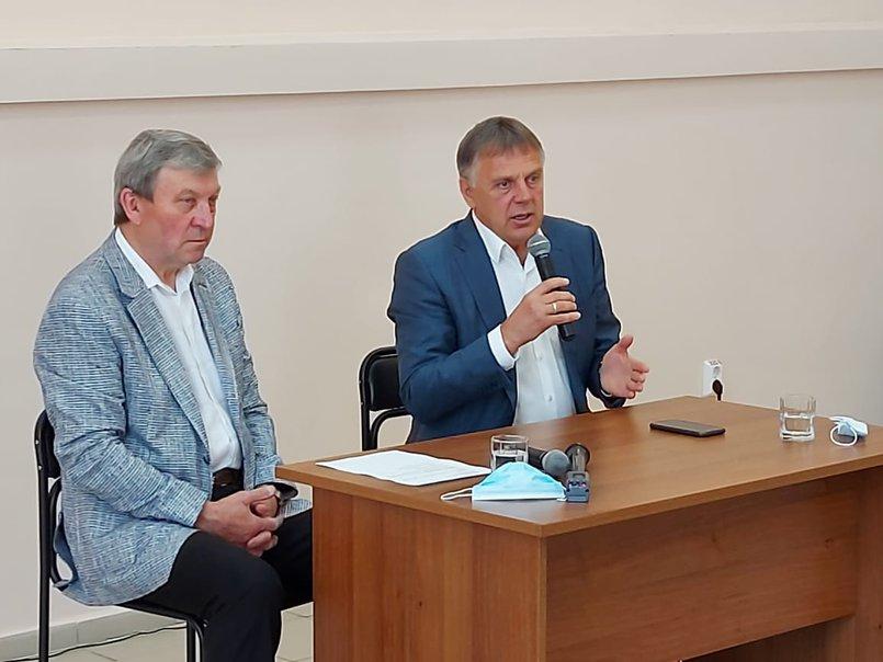 Сергей Петров на встрече с журналистами. Фото пресс-службы Ангарского городского округа