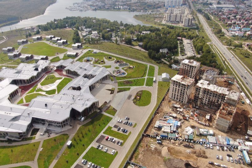 Рядом с ЖК SUNCITY находится одна из самых современных школ России «Точка будущего»
