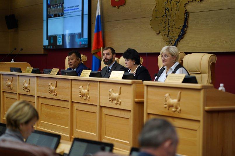 Кузьма Алдаров, Александр Ведерников, Ольга Носенко и Лариса Егорова