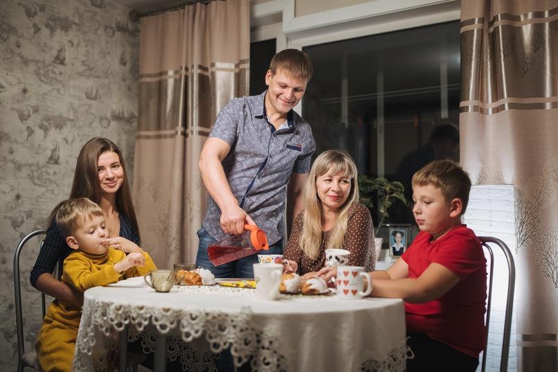 Евгений Орлов с семьей
