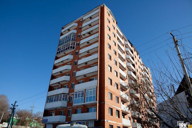 Суд постановил снести дом на Пискунова, 40, как самовольную постройку. В доме №40 по улице Пискунова 137 квартир, в 74 из них проживают люди