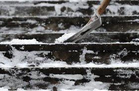 Иркутянин отсудил  у компании 100тысяч рублей за падение на скользкой лестнице