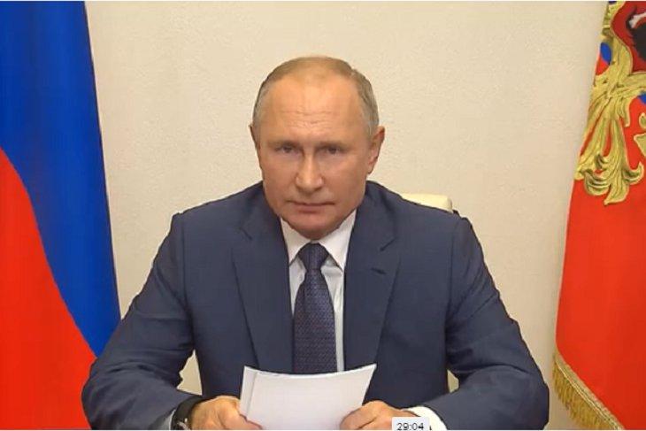 Владимир Путин поручил начать масштабную вакцинацию от COVID-19 | Новости  Иркутска: экономика, спорт, медицина, культура, происшествия