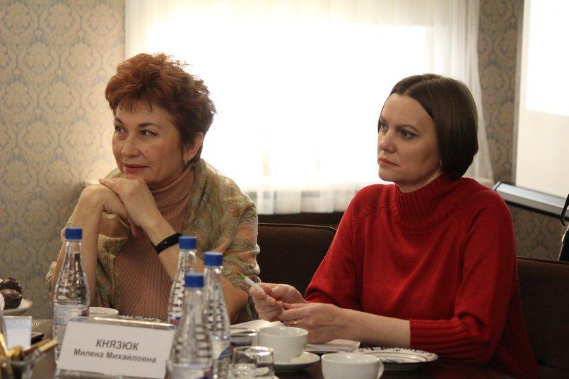 Марина Боженова («Московский Комсомолец»), Милена Князюк («Сибирские новости»)