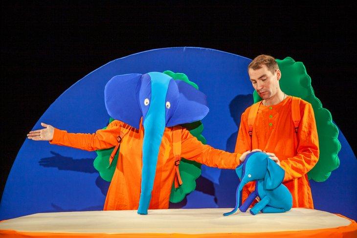 Репетиция спектакля «Слоненок, который пошел учиться». Фото предоставлено театром кукол «Аистенок»