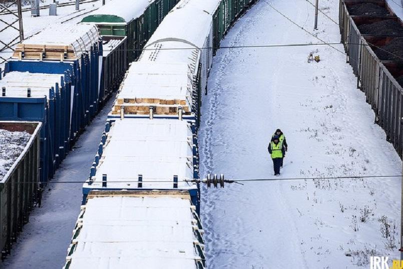 Совместно с таможней на железной дороге выявляют контрабанду леса и пиломатериалов. Фото Валерии Алтарёвой