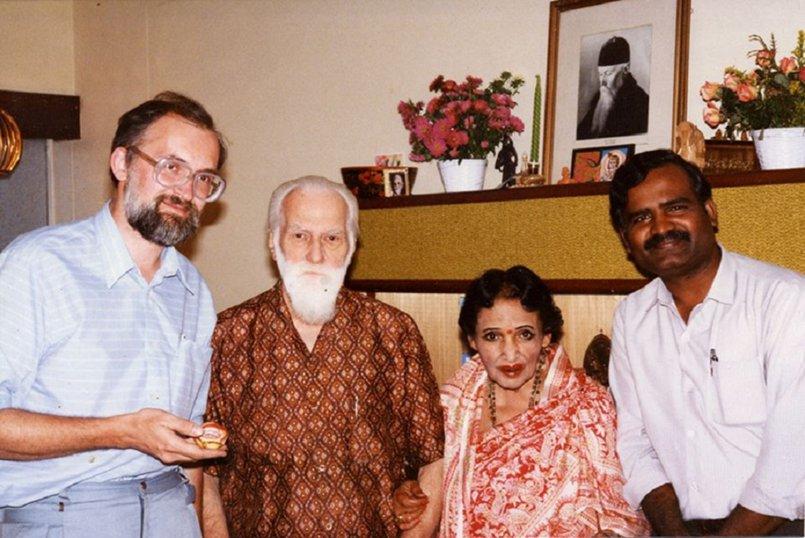 В гостях у известного русского художника и ученого Святослава Рериха в Бангалоре, Индия (1990 год)