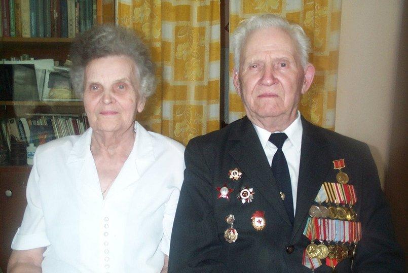 Ветераны войны Мария Георгиевна и Яков Андриянович Кузевановы (1999 год)