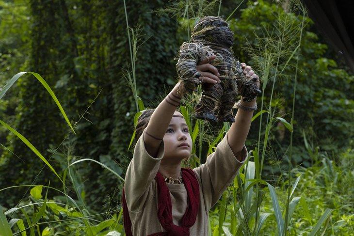 Глухонемая девочка стала единственным настоящим другом Конга. Фото с сайта Kinopoisk.ru