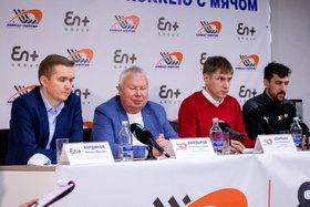 Слева направо: Михаил Хардиков, Леонид Князьков, Евгений Хвалько и капитан команды Андрей Прокопьев). Автор фото — Дарья Эйвазова