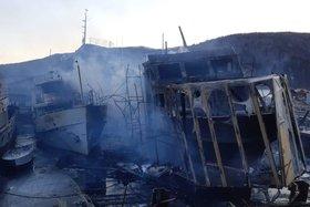 Два катера сгорели в поселке Никола